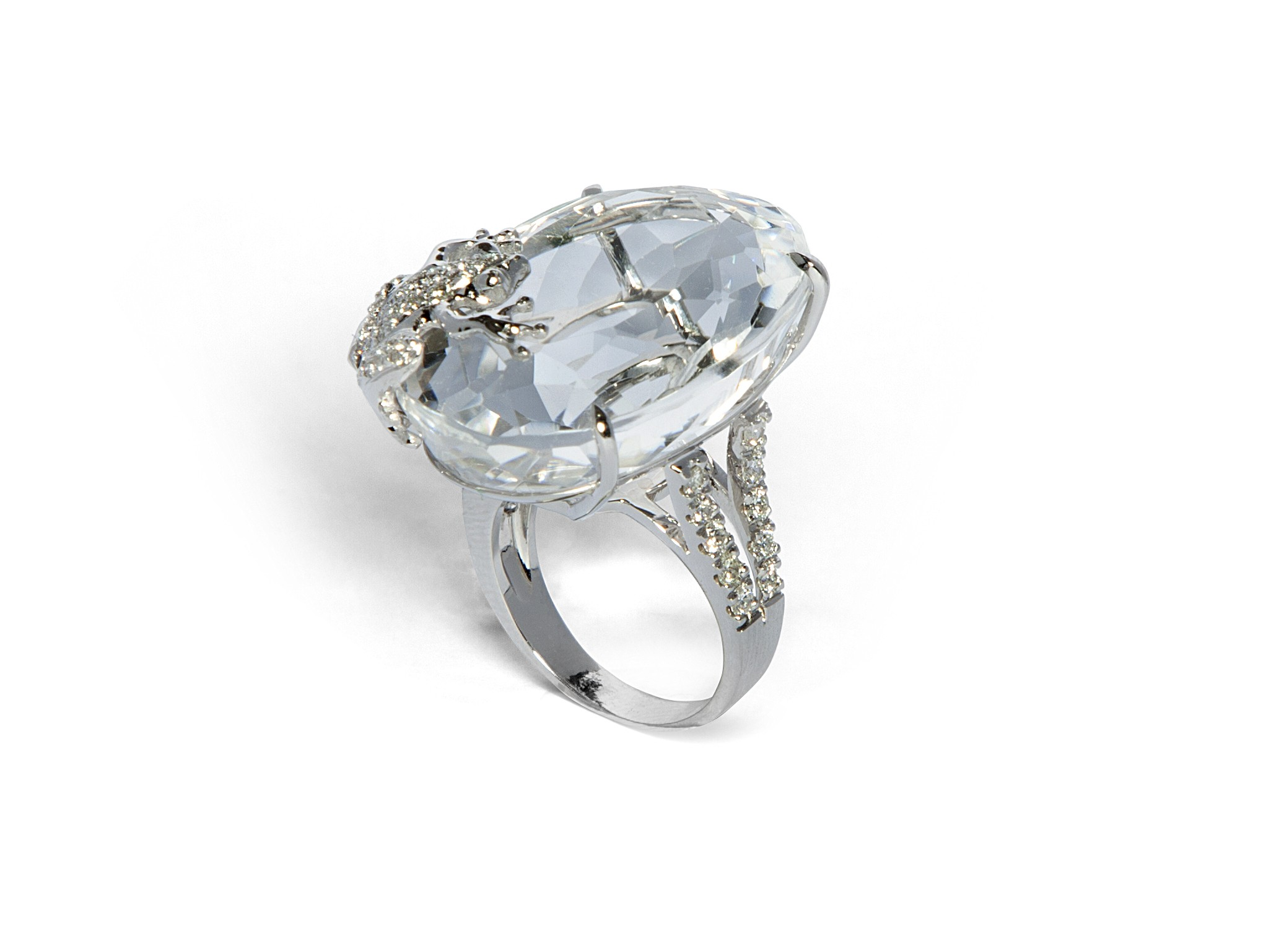 White Gold Ring With Diamonds And Rhinestone