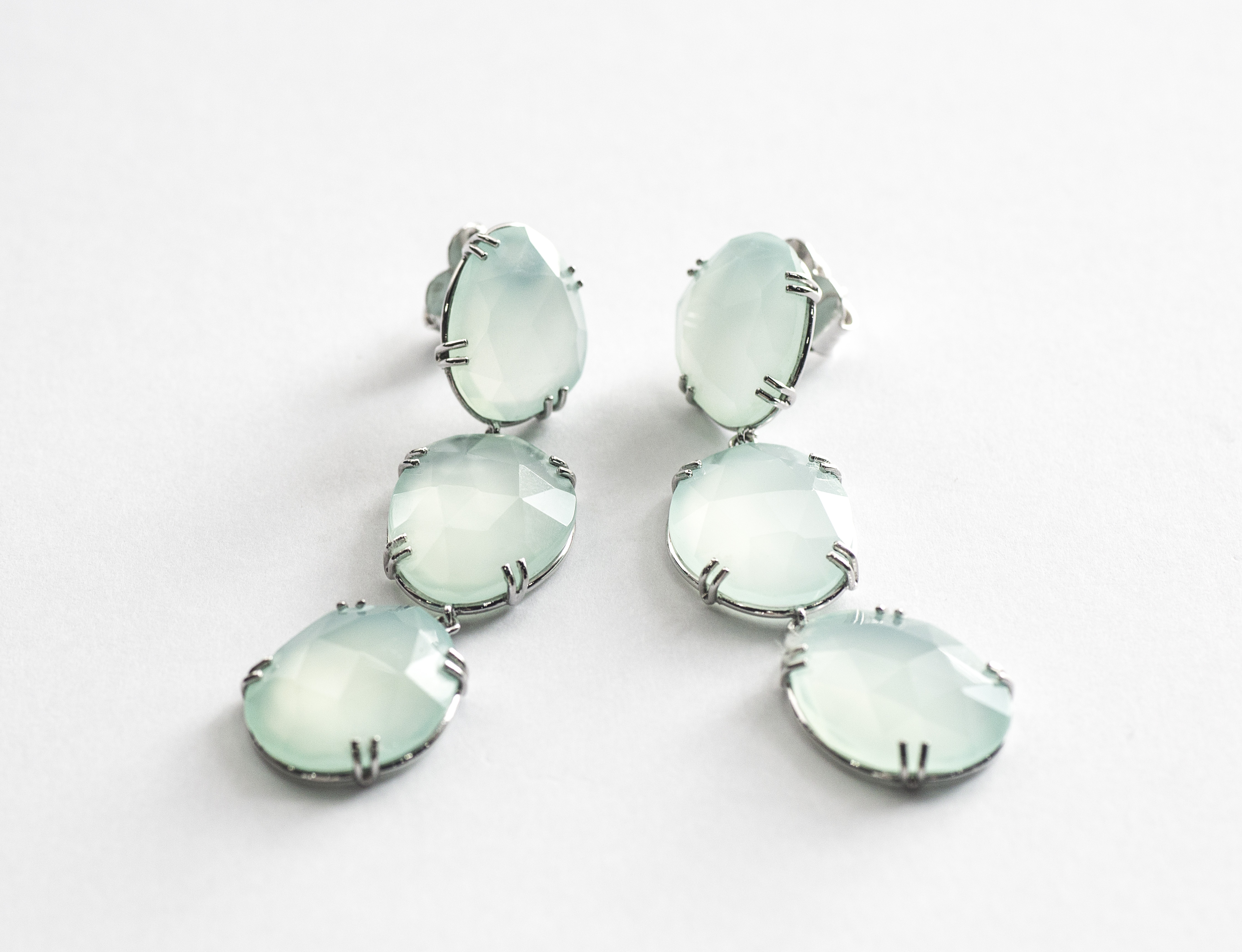Silver earrings with Calcedony